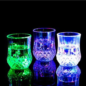 Colorato Led Coppa del vino lampeggiante Girato in vetro Led di plastica luminosa tazza al neon Festa di compleanno Bar Wedding Beverage Vino Flash