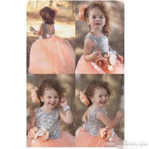 Güzel Çiçek Kız Elbise Jewel Boyun Sequins Korse V Geri Prenses Çiçek Kanat Sevimli Pembe Pageant Anne ve Kızı Elbiseler