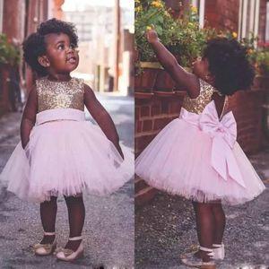 Lovely Toddler Little Flower Girl Dresses Pink Tulle con lentejuelas Keyhole Back con lazo hasta la rodilla Tutu vestidos de primera comunión