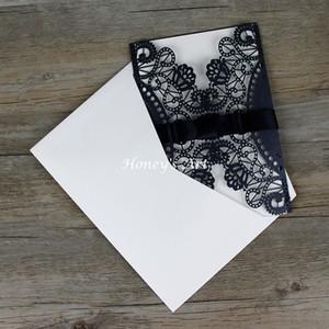 Al por mayor-50pcs / lot Laser Cut invitaciones de boda con envolvente exterior Peony negro invitación de la boda diy invitaciones personalizadas tarjetas