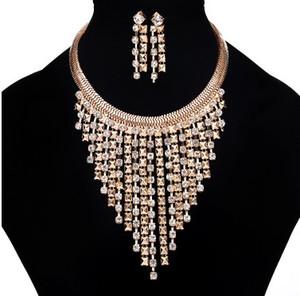 Chic delle donne Insiemi dei monili regolano l'orecchino collana idea regalo placcato oro 18K con strass Embelishment nappa partito