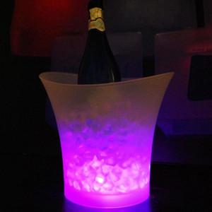 Bar 5 litre Hacmi plastik led buz kovası renk değiştiren gece kulüpleri LED ışık buz kovası Şampanya şarap bira buz kovası Ücretsi ...