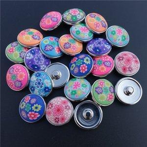50pcs / lot Mix Colori Fashion Round Fimo Clay Noosa Chunks Metal Ginger 18mm Bottoni a pressione per i risultati dei monili del braccialetto