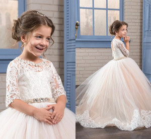 2017 Nuovo arrivo Inverno Principessa Flower Girl Dresses 1/2 Maniche in pizzo Applique Tulle Floor Length Ball Gown per Wedding Girl Dress