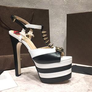 Nuevo T-Stage Cat Walk Verano Sandalias de tacones gruesos FashionTrendy Mujeres Hebilla T-type correas Sexy Ladies remache Gladiador parche zapatos de trabajo