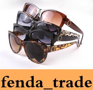 Frauen-Sonnenbrille Qualitäts-Schwarz-Leopard-Rahmen-Frauen-Marken-Entwerfer UV400 Sonnenbrillen der Frauen-Dame-Gläser Weibliche eyewear 8015 MOQ = 10pcs