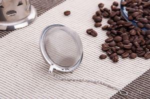 En iyi Fiyat 100 adet / grup Paslanmaz Çelik Çay Pot Demlik Küre Mesh Süzgeç Topu 5 cm ücretsiz kargo