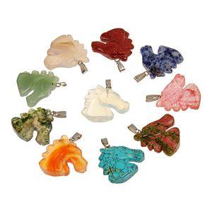 희귀 공예 세미 귀중 한 돌 자연 Carnelian 그린 Aventurine 터키석 구슬 수동 조각 동물 말 머리 펜 던 트 Unisex (35 * 37mm)