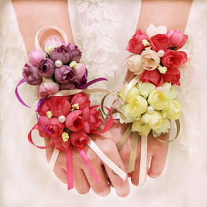 10 Adet / grup Düğün Bilek El Çiçekleri Gelin Nedime Bilek Corsages Damat Corsages Yaka Çiceği Beyaz Yüksek Kalite