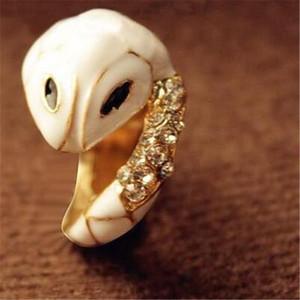 Neue Ankunfts-heiße Verkaufs-Art- und Weisevorzügliche Legierungsrhinestone-Ring-kleiner weißer Schlangen-Ring Freies Verschiffen