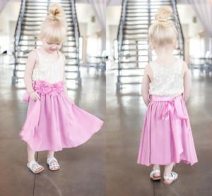 Cute Baby Blue Flower Girl Dress Une ligne Jewel Neck Lace Top Jupe en mousseline de soie et fleur Sash pour ceinture Printemps Été Occasions Robes