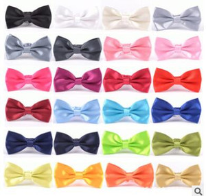 2019 frete grátis Noivo Laços Moda Masculina Smoking Clássico Cor Sólida Borboleta Festa de Casamento gravata borboleta Laços Homens gravata borboleta