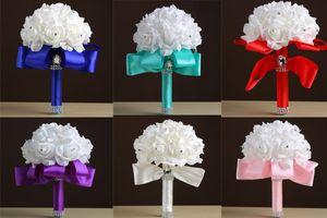 Venta al por mayor crema blanca Ramos de flores hechas a mano Rhinestones Rose dama de honor nupcial Artificial Holding broche de seda cinta de cinta al por mayor W