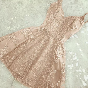 2018 Charming A-Line Crystal Short Homecoming Dresses Nuevos apliques de encaje Mini Spaghetti-Straps Cheap Cocktail Dress Summer Party Wear BA6157