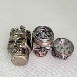 König Skull Form Metalplastic Tobacco Grinder Kochen Werkzeuge Herb Smoke Grinder Muller Magnetic 3 Teile 2 Farben