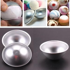 Venta caliente 20 unids / set 3D Aleación de aluminio Alloy Ball Bath Bath Bomb Molde Pastel Pudings Pan Tin Hornear Molde de Pasteles 3 Tamaño