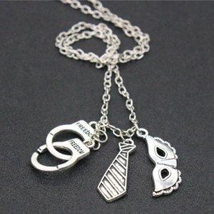 Mode Männer Halskette Simulierte Handschellen Krawatte Maske Anhänger Halsketten Silber Überzogene Legierung Halskette Schmuck Für Männer