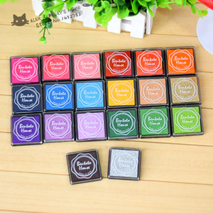 Wholesale-Candy Color Stamp Pad Inkpad for Decoration Scrapbooking Fingerprint Ink Pad Stamps tinta sellos material manualidades papeleria