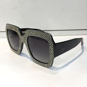 Luxury 0048 선글라스 Large Frame 다이아몬드 프레임이있는 우아한 디자인의 특별 디자이너 둥근 렌즈 내장 최고 품질의 케이스