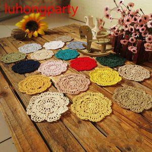 Großverkauf 5pcs / lot Handgemachte 10cm corlorful Runde Blume Spitze Deckchen häkeln Tabelle Tischsets Crochet Schalenmatte
