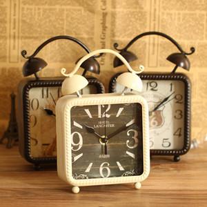 Toptan-İngiliz tarzı moda demir sanat masa saati kare masa saati ev dekorasyonu