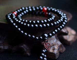 200pcs 108 * 8mm genuina gioielli naturali del legno di sandalo perline Buddha Malas braccialetto sano uomo mala del polso neklace Bowknot Bracciali 5 colori