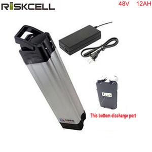 Fabrication batterie de batterie Li-ion 48V 12AH Silver Fish batterie de vélo électrique décharge sur le fond
