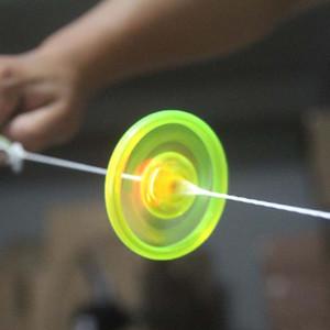 Çocuklar için ucuz Led Fidget Spinner Led Oyuncaklar Ses Işıklı UFO çekin ışık yayan volan flaş üst el uçan daire İplik Oyuncaklar Hediyeler