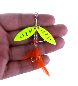 wholesale of yellow metal spoon fishing lure with feather sequins hard artificial jigging bait wobbler pesca fishing spinnerbaits tackle hooks