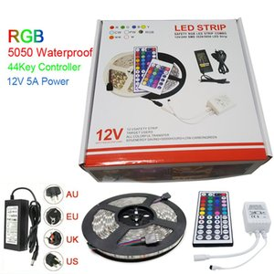 Regalo di Natale LED Strip Light RGB 5050 5M 300 LED Strips Impermeabile con 44 tasti IR Remote Controller + DC12V 5A Power Adapter In Retail Box