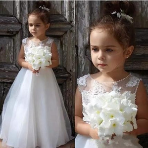 2017 Simple New Arrival Jewel Princess Sweep Train Lace Flower Girls' Dresses For wedding First Communion Dresses Custom