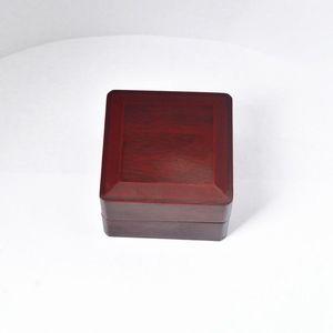 Coffret en bois de boîte vitrine de championnat pour le championnat (bois, 1 trous) 65 ** 65 * 45mm rouge