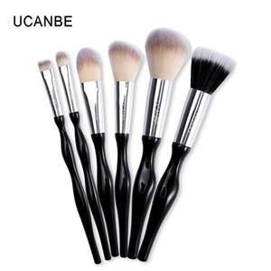 Ucanbe Brand 6pcs Principiante Herramienta de pinceles de maquillaje suave Base de maquillaje sintética en polvo Blush Eye Shadow Eyebrow Brushes Brushes Set Kit