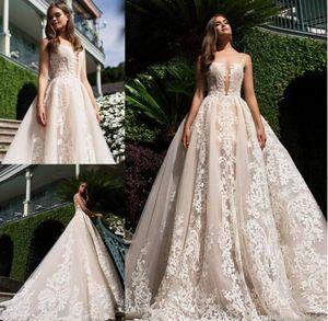 2017 Milla Nova Backless 웨딩 드레스 A 라인 Appliqued Plunging Sweep Train 플러스 사이즈 Vintage Lace Wedding Bridal Gowns Custom Made