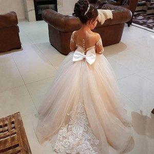 Prenses Uzun Kollu Vintage Çiçek Kız Elbise Sheer Boyun Dantel Aplikler Kat Uzunluk Flowergirl Elbise Pageant Törenlerinde ile Yay Tren