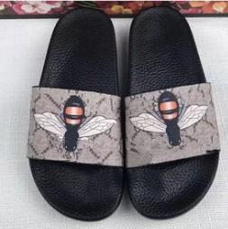 Sandales de design de luxe 35-46 hommes et femmes Bengal Sandales Sandales Garçons et filles Été Sandales de plage en plein air avec abeille tigre impression