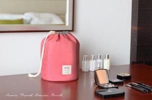 2017 جديد الكورية أنيقة برميل سعة كبيرة شكل النايلون غسل المنظم التخزين السفر تسريحة الحقيبة حقيبة ماكياج التجميل للنساء