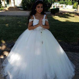 Nuevo 2017 vestido de bola blanco vestidos de niña de las flores para bodas correas de espagueti de tul con perlas primeros vestidos de comunión para niñas