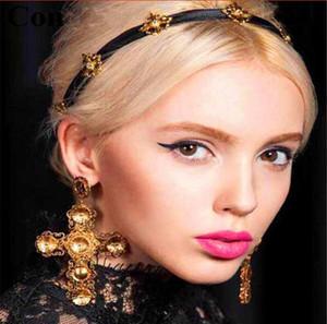 Orecchini in metallo con croce in metallo di marca barocca per le donne Gioielli vintage Orecchini in oro con fiore intagliato Brincos Fashion Club Bijoux 2017