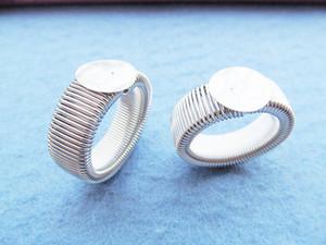 Silber Ton / Antique Bronze glatt dehnbar flexiblen Ring Charm Finding, Base Setting Tray, passen 12mm Cameo Cabochon, DIY Zubehör Schmuck
