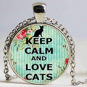 Mantenha a calma e ame gatos pingente. Mantenha a calma colar. Mantenha a joia calma. Pingente de vidro cobachon de presente de aniversário, prateado