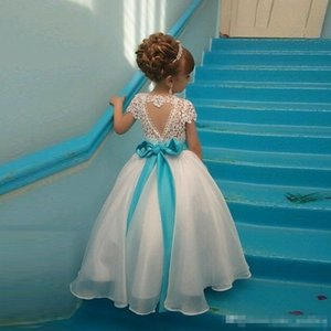 2018 Ball Gown Flower Girls Dresses For Weddings Jewel Neck Short Sleeves Lace Organza Floor Length Children Wedding Dresses With Sashes