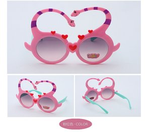 2018 Kid's Eyewear UV400 Fashion Kids Occhiali da sole Plastic Cartoon Glass per bambini Ragazzi Ragazze Mirror Occhiali da sole Oculos Infanti