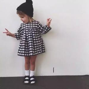 INS горячая распродажа новая девушка с длинным рукавом платье детская одежда черный белый плед хлопок пачка платье принцессы для девочек