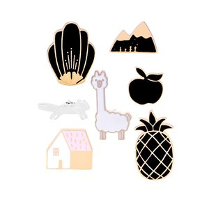 Emblemas para Roupas Broche Esmalte Pinos Dos Desenhos Animados Bonito Alpaca Maçã Abacaxi Mountain House Pin Lapel Gola Para As Mulheres Menina Pinos