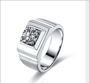 El nuevo diseño Internacional Hombre Internacional 1 Karat Sona Anillo de diamante Sterling Silver Platinum Simulación de alta gama Diamante Espesado ampliado