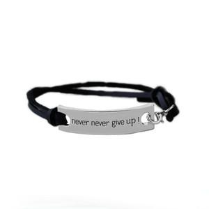 Inspirierende Armband Vintage Lederarmband Armreifen mit Gravur Buchstaben nie für Mann Frau als Festivalgeschenke aufgeben