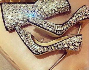 2017 Designers de Moda Sapatos De Casamento De Noiva Moda Cristal Ricos Apontou Toe Stiletto Mulheres Jeweled Celebrity Shoes Saltos Finos Altos