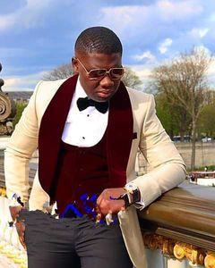 Yepyeni Groomsmen Big Şal Yaka Damat smokin Custom Made 5 Stiller Erkekler Suits Düğün En İyi Man Blazer (Ceket + Pantolon + Bow Tie + Yelek)