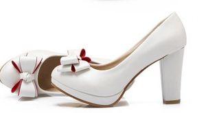 Versión coreana código pequeño solo zapatos 313233 cabeza redonda superficial tacón alto impermeable mesa flor Dama de honor tamaño grande zapatos de mujer 43